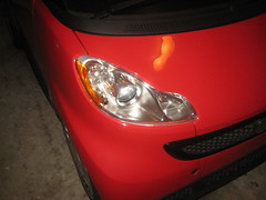 2008-2014 Smart Fortwo Headlight Housing - Changing Burnt Out Light Bulb - Low Beam, High Beam, Front Turn Signal, Side Marker (paul79uf) Tags: 2008 2009 2010 2011 2012 2013 2014 smart fortwo for two compact city car headlight light bulbs low beam high front turn signal side marker sidemarker change changing replace replacing replacement guide howto como hacer cambiar bombillas remove service flap hood bonnet 2nd second generation