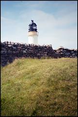 Cape Wrath Lighthouse (Fotorob) Tags: verenigdkoninkrijk stevensonrobert voorwerpenoppleinened muur wegenwaterbouwkwerken architecture erfscheiding vuurtoren analoog kustenoevermarkering schotland scotland architectura architectuur durness highland