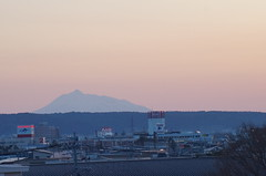 Mt. Iwaki (しまみゅーら) Tags: sony slta57 α57 af zoom 70210mm f4556 iso1600