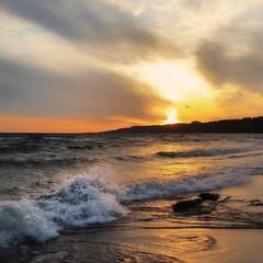Splash (ossington) Tags: waves splash sunset