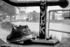 Lost Shoe (carsten.stanke) Tags: bremen bw canon eos 1300d shoe shoes schuh street black white
