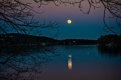 Full Cold Moon (BurnsRon) Tags: christmas coldmoon fullmoon lake landscape moonrise hotspringsvillage