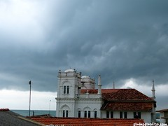 "La tormenta en Galle • <a style=""font-size:0.8em;"" href=""http://www.flickr.com/photos/92957341@N07/8749460857/"" target=""_blank"">View on Flickr</a>"