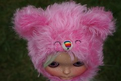 Special rainbow nose candy bear (Mimsy bear) Tags: bear hat rainbow helmet blythe custom tiina mimsy mimsybueno