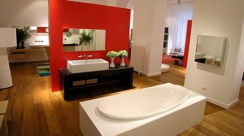 Banheiros grandes