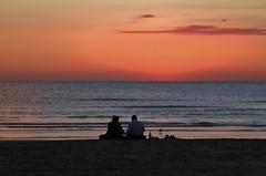 primi bagnanti - Senigallia (walterino1962) Tags: nuvole mare ombre persone luci riflessi gabbiano borse ancona ostra peschereccio bottoglia perschereccio