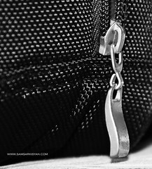 ZIP - CLASP (Photographer in Batumi - www.samsarkisyan.com) Tags: bw macro classic blackwhite dof bokeh clasp cierre zip lås chiusura gesp молния fermetureéclair fermoir stockpicture застёжка