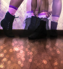 ~Jennir Narvez (TheJennire) Tags: camera wood pink light cute luz me girl socks photoshop canon cores stars photography photo dance shoes day colours foto purple floor legs danza dream dia colores zapatos fotografia dana camara baile meias medias botas sapatos tumblr
