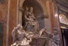 Roma (luispotes) Tags: rome roma europa vaticano coliseo santos estatuas historia