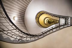 (Sotto Scatto) Tags: prague praga viaggio capitale trip travel scala lampadina curva stairs bulb caffè café art deco
