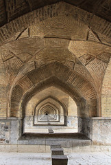 Under the bridge (Wild Chroma) Tags: bridge esfahan isfahan iran persia arches sioseh pol siosehpolbridge