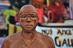 Homme d'argile - Hombre de arcilla - Clay man. (Michel PRESENT) Tags: portrait retrato fortdefrance argile clay martinique arcilla hommedargile hombre hombredearcilla clayman mardigras carnaval