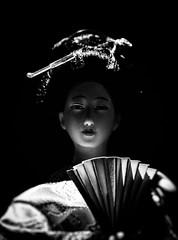 菊松 (Rekishi no Tabi) Tags: monochrome leica japan geisha doll