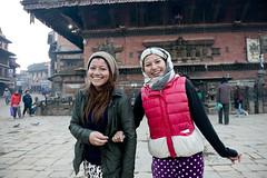 NPL - Nepalese sisters - Bhaktapur (VesperTokyo) Tags: katmandu kathmandu asia nepal nepalese ネパール人 girls youngwomen bhaktapur hindu