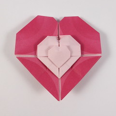 Stacked Hearts (Michał Kosmulski) Tags: origami heart stacking stacked molecule fractal michałkosmulski kamipaper pink red