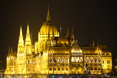 Budapest (sebalexvoyageur) Tags: budapest europe est danube parlement sculpture tram marché couvert