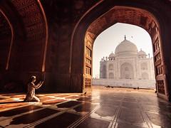 Taj Mornings - Agra, India (Kartik Kumar S) Tags: taj tajmahal agra uttarpradesh india canon 600d tokina 1116mm sunrise architecture exposure light morning