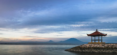 Sanur Beach sunset (Mantere) Tags: indonesia mtagung sanur bali ocean sea blue sunset landscape