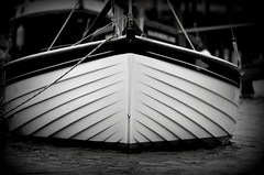 Monochrome  Boat (ertugrulderya) Tags: uk england streetphotography streetphotographer photographer photography people travel traveller night nikon nikonphotography nightcolor swan bird lake door colors love sea travelhotographer outdoor water morston morstonquay boat oldboat newboat sail lovephotography