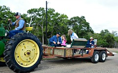 People hauler HBM (The Old Texan) Tags: tractor antique texas d7100 nikon bench explored