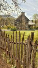 Homestead at Oconaluftee Center & Mountain Farm Museum, Great Smokies (Randy Durrum) Tags: oconaluftee smokies cabin fence staves picket prisma durrum s6 samsung