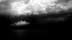 Le pont flottant des songes... (Sabine-Barras) Tags: bw ciel clouds nuages sky monochrome bnw blackandwhite lake lac suisse switzerland argentic argentique