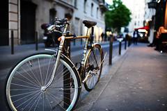 Street Bike (Dusty J) Tags: paris france europe nikon d750 nikkor vacation art light dustin gaffk gaffke dustingaffke dustyj bike bicycle bikes street velo bici