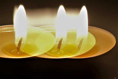 [MM] - Intentional blur ... with a tealight candle