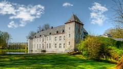 Château d'Annevoie (YᗩSᗰIᘉᗴ HᗴᘉS +5 400 000 thx❀) Tags: sky bluesky clouds castle parc park château water étang annevoie jardinsdannevoie belgium belgique hensyasmine architecture leica leicaq