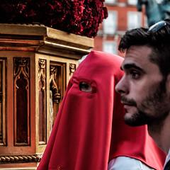 _DSF1761 (Antonio Balsera) Tags: plazamayor semanasanta gente móvil procesión madrid comunidaddemadrid españa es