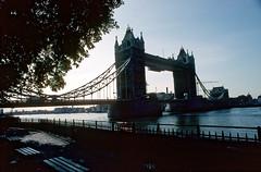 135_14_20_08_1987_London_Towerbridge_ice_roc1_gem1_dee50 (bromand) Tags: london vintage asahipentaxspotmatic pentaxspotmatic nostalgicmemories nostalgic memories scan slide nikon coolscan ved nikoncoolscanved coolscanved