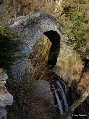 Le Pont del Sipp enjambe le ruisseau Navegna près de Brione sopra Minusio (2013-04-02 -35) (Cary Greisch) Tags: switzerland che ruisseau cantoneticino carygreisch navegna brionesopraminusio pontdelsipp