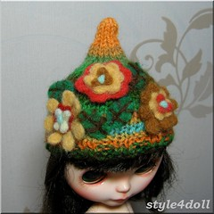 style4doll - OOAK Hand knitted Hat with Needle Felted Flowers for Blythe