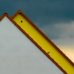 Dachluke_offen-1030742.jpg (fotomanni.de) Tags: bayern himmel blau franken dach dreieck oberfranken plech sfcwanderungzumfotomuseuminplech