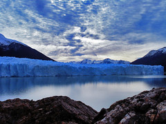 Atardece el frío (Baskerville79) Tags: patagonia santacruz mountain lake snow ice water argentina clouds lago agua américa nieve nubes andes glaciar hielo calafate glaciares sudamérica américadelsur parquenacionaldelosglaciares