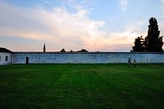Al tramonto (Guido Andolfato) Tags: muro tramonto campanile nikond300 venegazzù vrzoom1685mmf3556gifed vacanzedellanima villaspinedagaspariniloredan