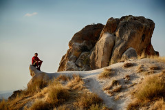 In Cappadocia again (Giorgio Verdiani) Tags: slr rock stone digital turkey ana nikon sitting zoom path trkiye peak august agosto nikkor claudio roccia sentiero pietra sherpa turkish cappadocia anatolia greme goreme turchia kapadokya rupestre picco seduto 24120mm meryem rupestrian 2013 d800e