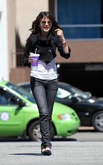 (susu Desing) Tags: california usa fulllength hollywood actress tacobell selenagomez wizardsofwaverlyplace flickrandroidapp:filter=none