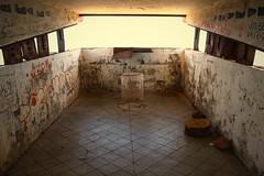 Inside the Cenizas Battery, Mount of Ashes (Bateria de Cenizas, Monte de las Cenizas) (jurassicjay) Tags: travel abandoned canon graffiti spain mediterranean military murcia cannon derelict calblanque portmn bateriadecenizas montedelascenizas calblanqueregionalpark mountofashes
