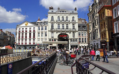 Lille, Grand'Place, terrasses (Ytierny) Tags: france horizontal architecture commerce grandplace terrasse boutique lille passage faade nord brasserie mtropole pav piton flandre placedugnraldegaulle parkingsouterrain citflamande ytierny