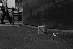 (YOUANDMEORUS) Tags: street leica blackandwhite bw monochrome japan tokyo blackwhite bn m8 日本 東京 モノクロ leitz summitar ストリート ライカ ズミタール
