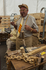 wood man (Jordi Pay Canals) Tags: wood hat canon eos glasses is crafts flag watch pipe arts tie catalonia canals smoking chain usm jordi efs berga craftwork senyera 450d 1585mm pay