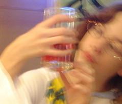 (__Santi__) Tags: glass glasses child spoon rue enfant lunettes sansebastian verre lieux cuillere sujets
