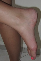 Sexy female foot (dani897) Tags: feet arches sexyfeet femalefeet sexyarches femalearches