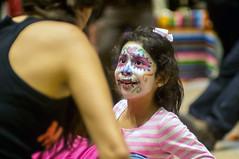 Dia de los muertos (kuuan) Tags: vienna wien girl mexicana austria fiesta 85mm olympus mf f2 nina zuiko manualfocus fzuiko f285mm diadolosmuertos olympusfzuikoautotf285mm weltmuseum