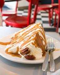 Schmoo Torte (YWphotography) Tags: light food cake canon dessert restaurant sweet diner caramel bakery pecan forks torte lightroom g15