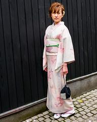 Tokyo50-36 (Diacritical) Tags: japan kagurazaka kimono tokyo april12017 leicacameraag leicamtyp240 summiluxm11435asph f56 ¹⁄₂₅₀sec centerweightedaverage street