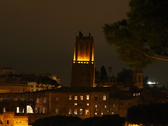 Roma_Notturno_372_40150 (Paolo Chiaromonte) Tags: olympus omdem5markii micro43 paolochiaromonte mzuikodigitaled40150mm128pro roma rome lazio italy italia notturno nightshot nocturnes torre tower travel