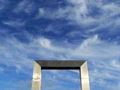 EASTER TIME (André Pipa) Tags: páscoa easter pâques pasqua céu sky cielo ostern himmel ciel door porta entrance photobyandrépipa