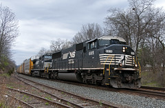 Ex-BN on 290 (Erie Limited) Tags: piscatawaynj csao lehighline emd sd60m triclops ns norfolksouthern 290 train railfan railroad